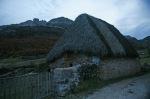 Cabaña en la Braña de La Peral, en Somiedo