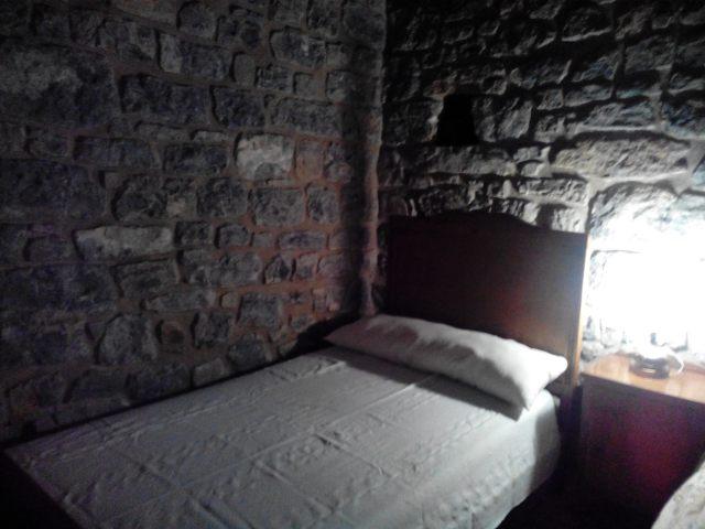 habitación de piedra